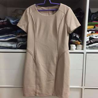 Dress Classic Profile