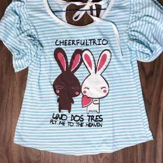 Cute graphic top with puff shoulders