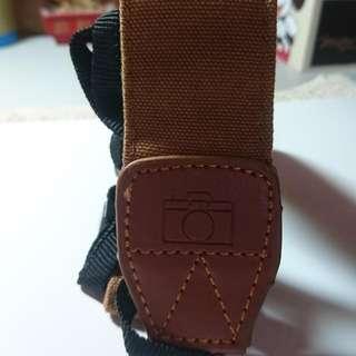 (全新)相機背帶/質感卡其色/舒適寬版/110cm