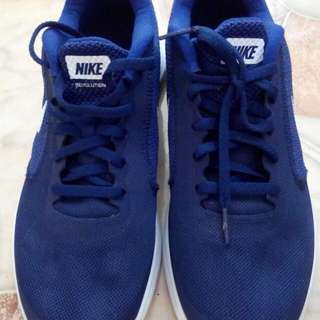100% Orig Nike Revolution 3
