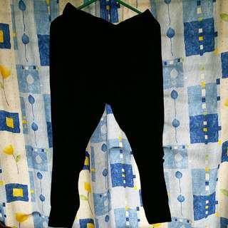 黑色鬆身長褲