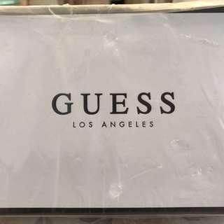 Guess 銀包