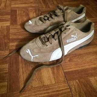 Authentic Vintage Puma Shoes