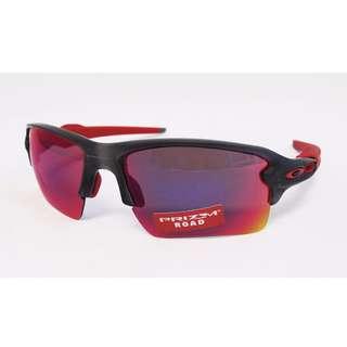 55f03c8575e Authentic Brand New in Box Oakley OO 9188-04 FLAK 2.0 XL Matte Grey Smoke