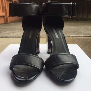NEW Black Ankle Strap Naked Heel W Chunky Heel SZ 8