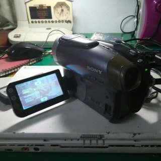 SONY. DVD  攝影機,螢幕觸控,💥(缺電池)(有Usb連接孔及Av影音輸出孔)