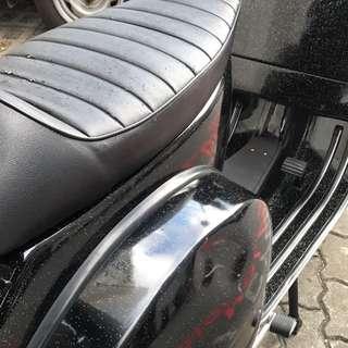 Vespa Cafe Racer Seat