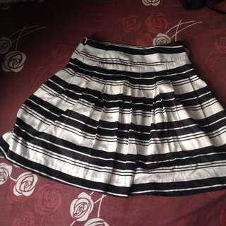The Executibe Black And White Skirt