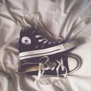 Black Converse (PICKUP ONLY)