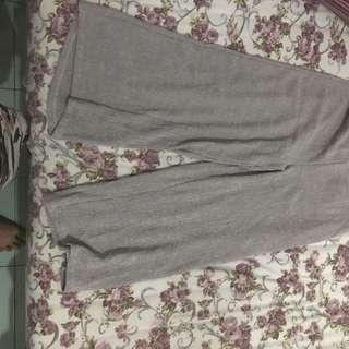Kulot Abu Abu Pull N Bear Size L (fit Jeans 29-32)