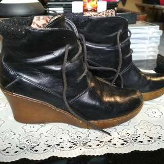 PRELOVED BOOTS BATA IMPORT SIZE 36-37