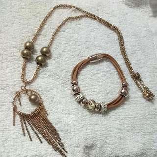 Fashionable Long Gold Necklace And Bracelet Bundle