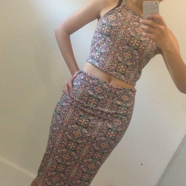 2-piece Crop & Maxi Skirt
