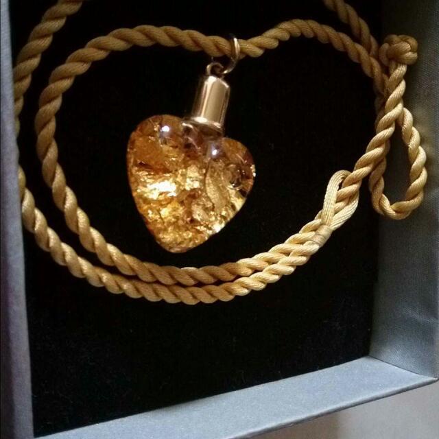金箔項鍊 很美