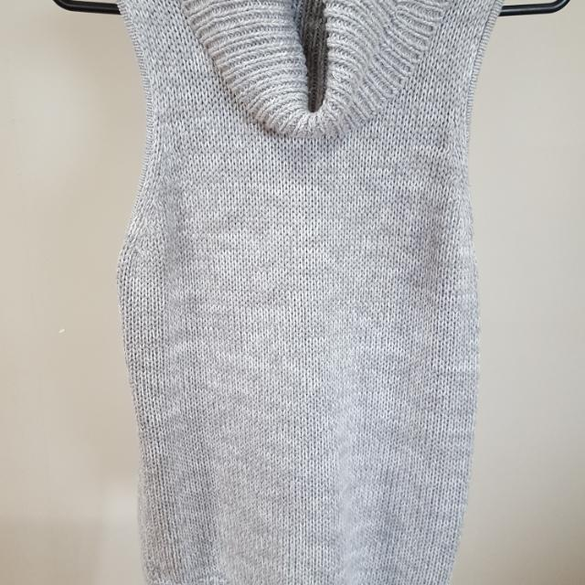 All About Eve Size 8 Grey Turtle Neck