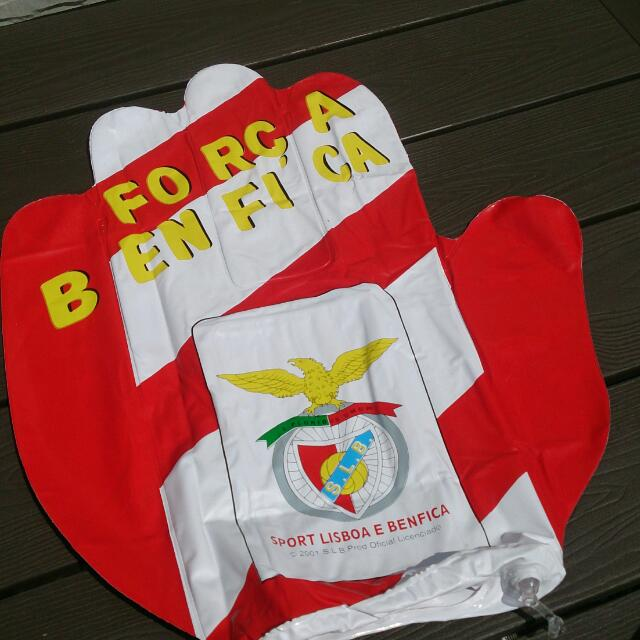 Benfica Inflatable Glove (2001)