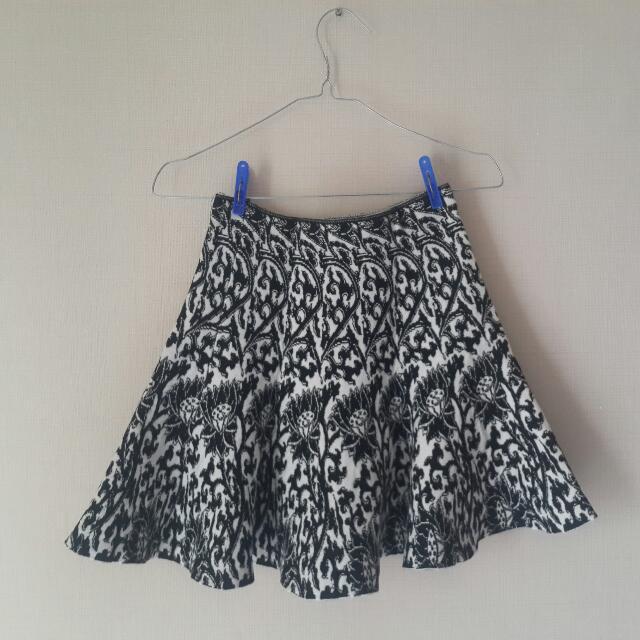 BnW Flowly Skirt