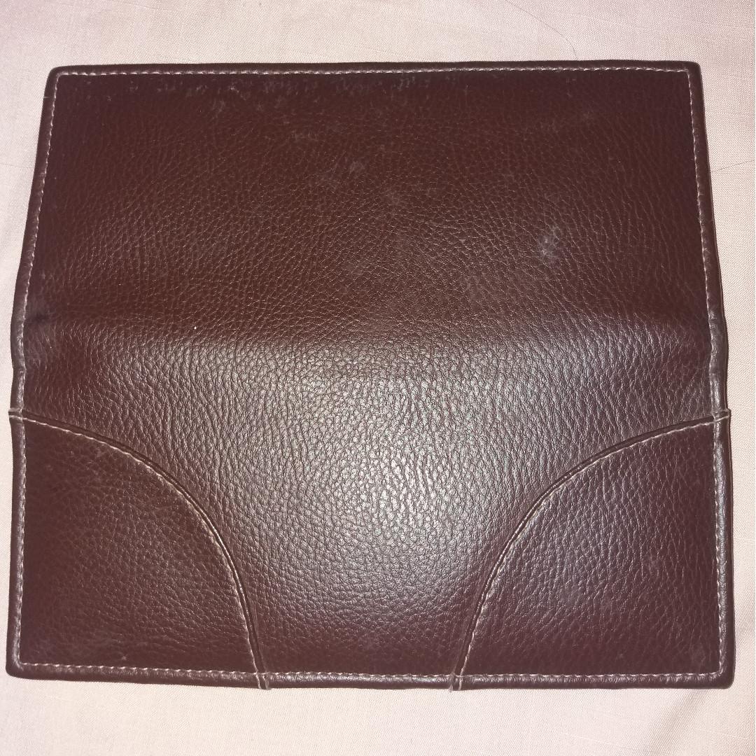 Dompet kulit halus