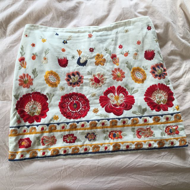 Embroidered White Skirt