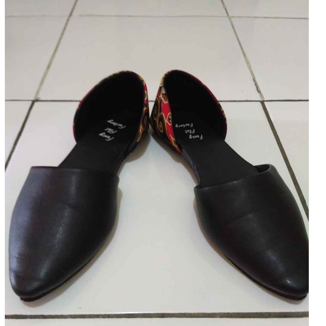 fancy flat shoes / Size 39