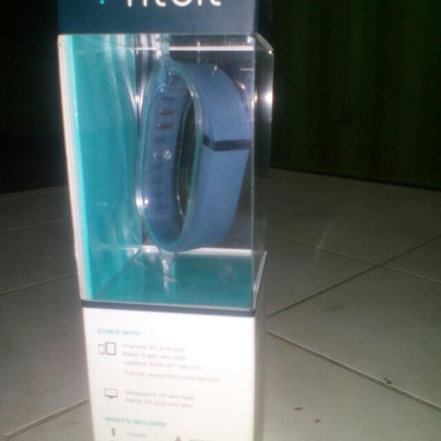 fitbit flex (wireless wristband) price down...!!