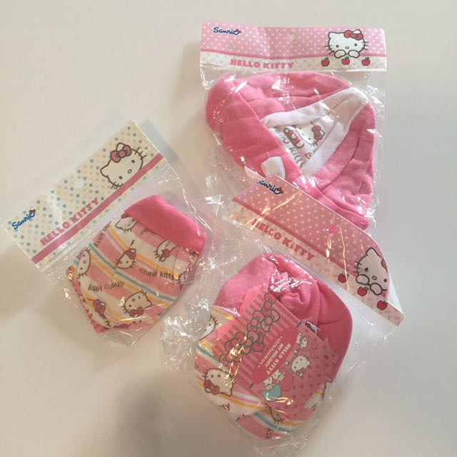 Hello Kitty Bonnet, Mitten & Booties - NB