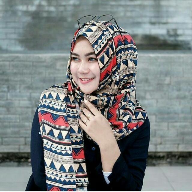 Hijab Instan Wanita Motif Batik - Popy