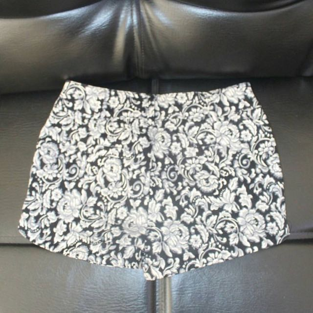 Imported Pattern Short