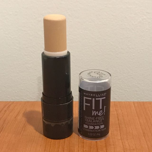 Maybelline Fit Me in 220 Natural Beige
