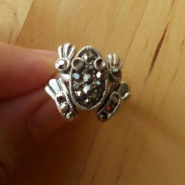 Metal Frog Ring Adjustable