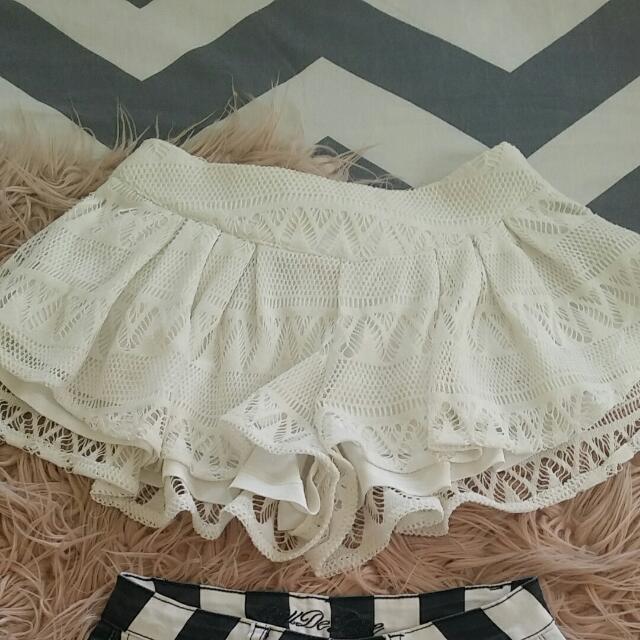 Mooloola Lace Shorts