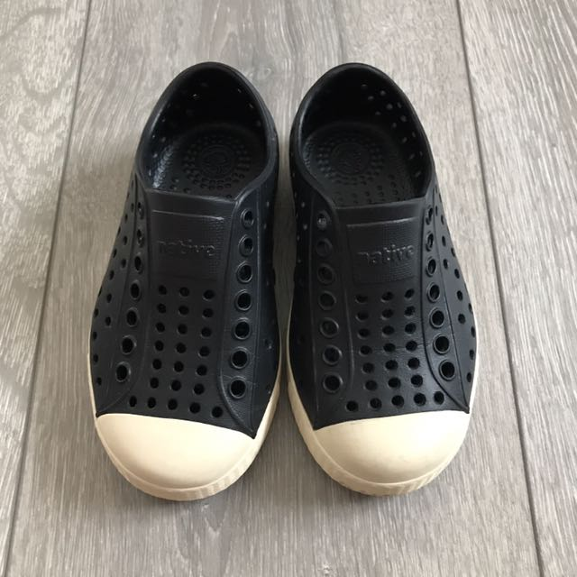 Native Jefferson Black Shoes C8 25