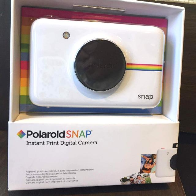 On Sale: Polaroid Snap With Free Packs Of Film (2packs, 10 per pack)
