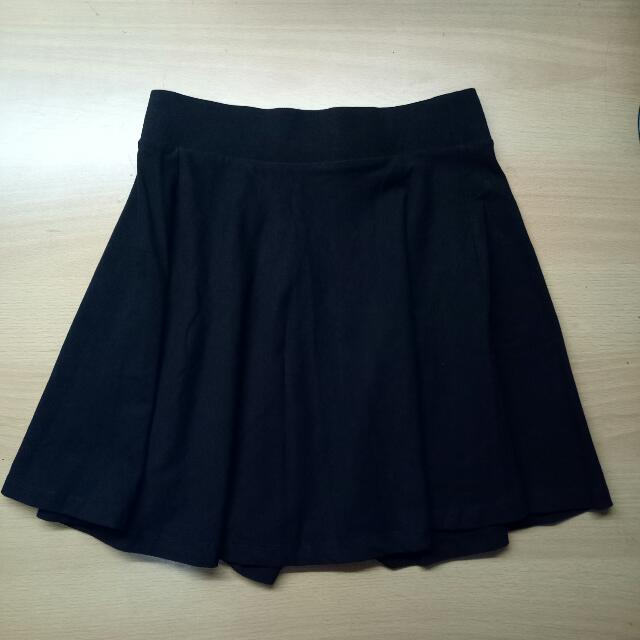 ORI H&M Black Mini Skirt
