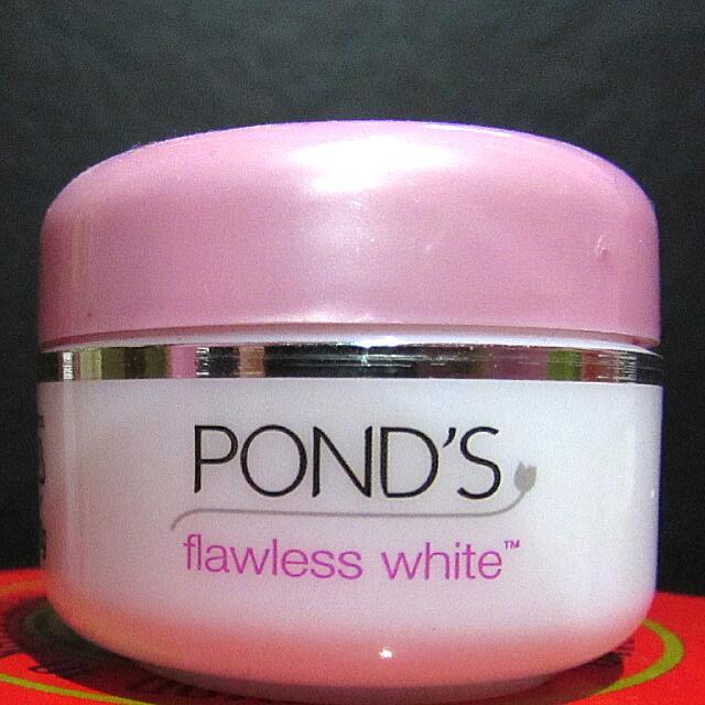 "Ponds Flawless White ""Night Cream"""