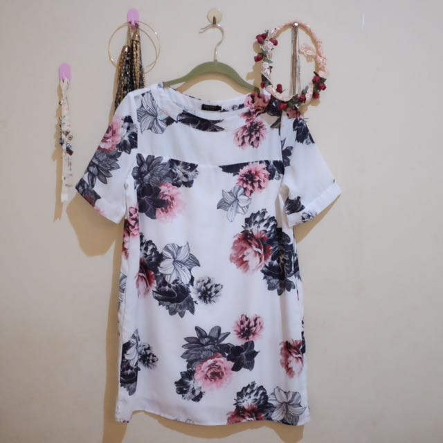 (PRELOVED) Zalora Flower Dress