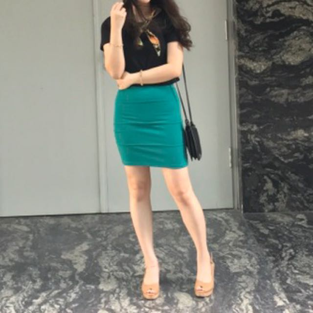 Pull & Bear Slim Skirt
