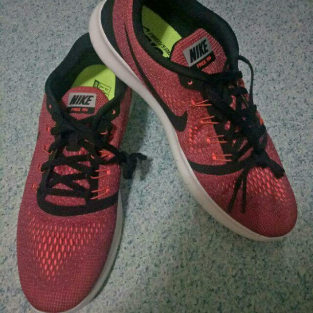 Repriced Mens Nike Free RN