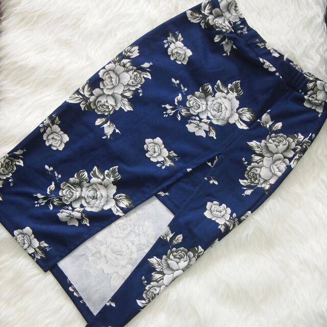 Skirt Slit Flower Blue