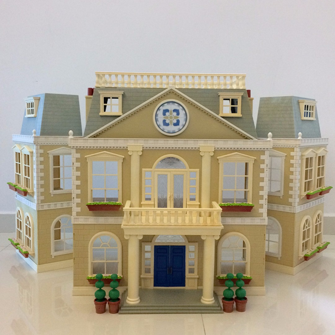 Sylvanian Families Grand Hotel Toys Games Bricks Figurines On Carousell