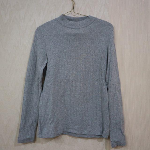Uniclo Grey