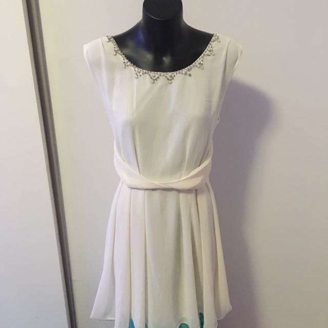 White High Low Dress Size Small