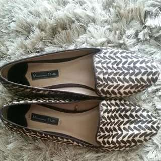 Size 7 Massimo Dutti Loafers