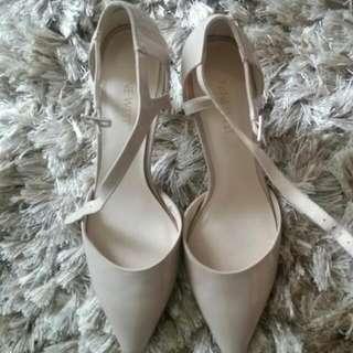 Size 7.5 Nine West Patent Mary Jane Heels