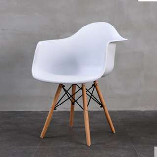 Simple and Neat Scandinavian Chair #2