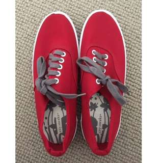Red City Sneaks USA 6
