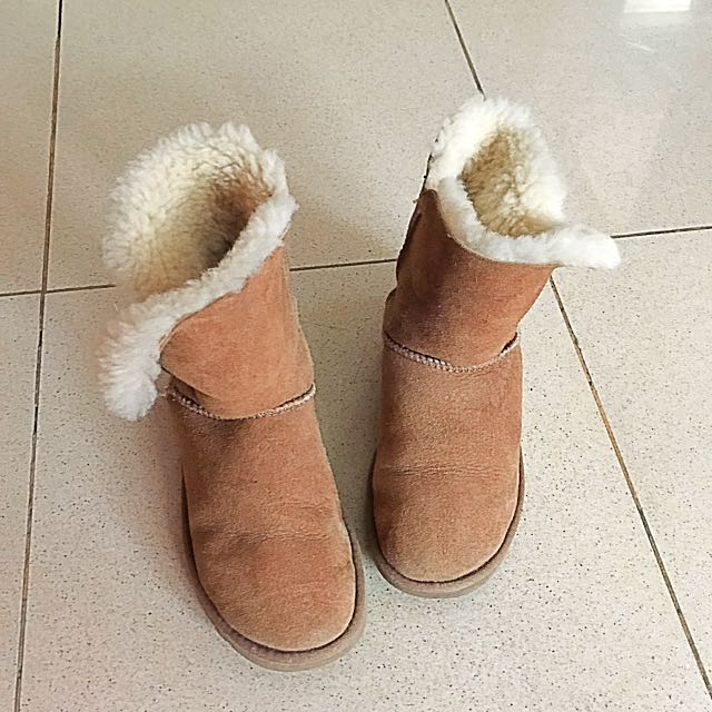 100% Original UGG boots -Bailey button