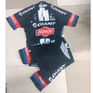 Giant Cycling Jersey Set