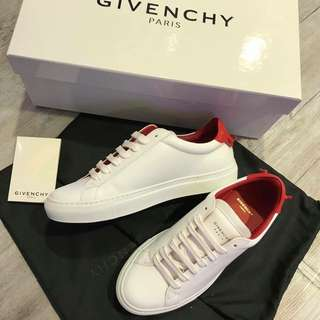Givenchy Sneakers 女裝
