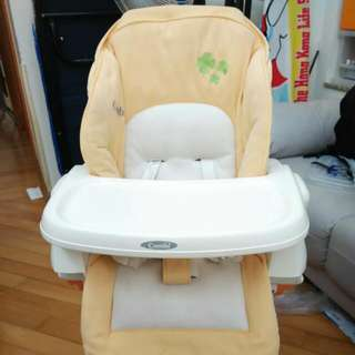 Combi highchair 多功能餐椅,搖床